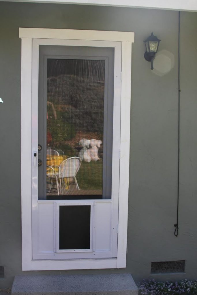 Swinging Screen Door: Vista w XL Pet Poor